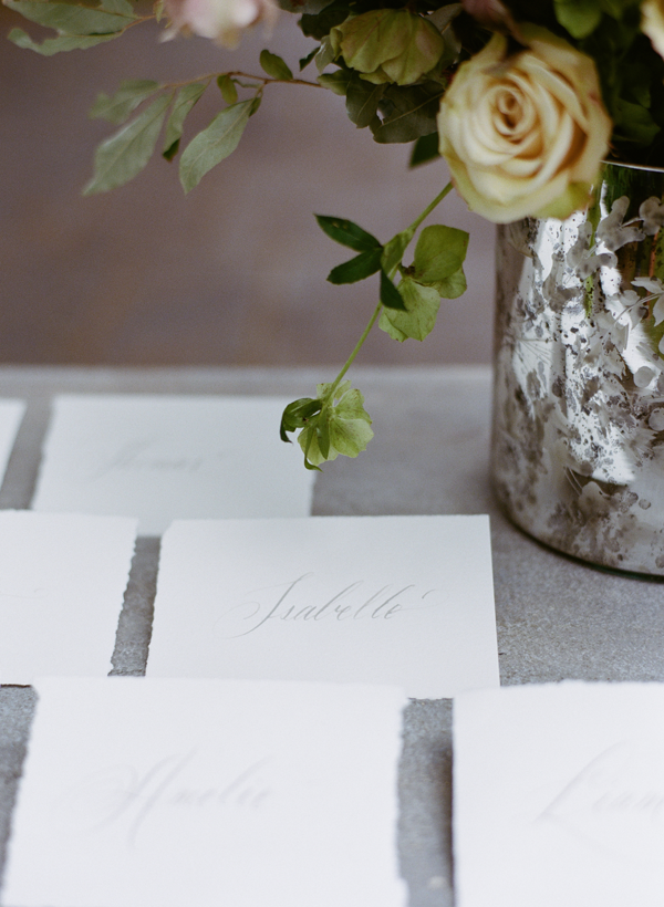 elegant-classic-escort-card-ideas