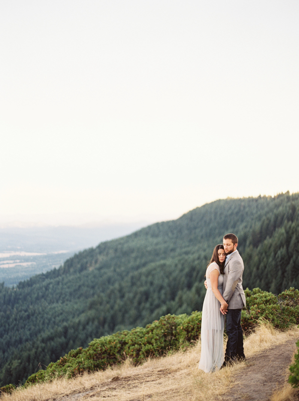 engagement-photography-in-mountains