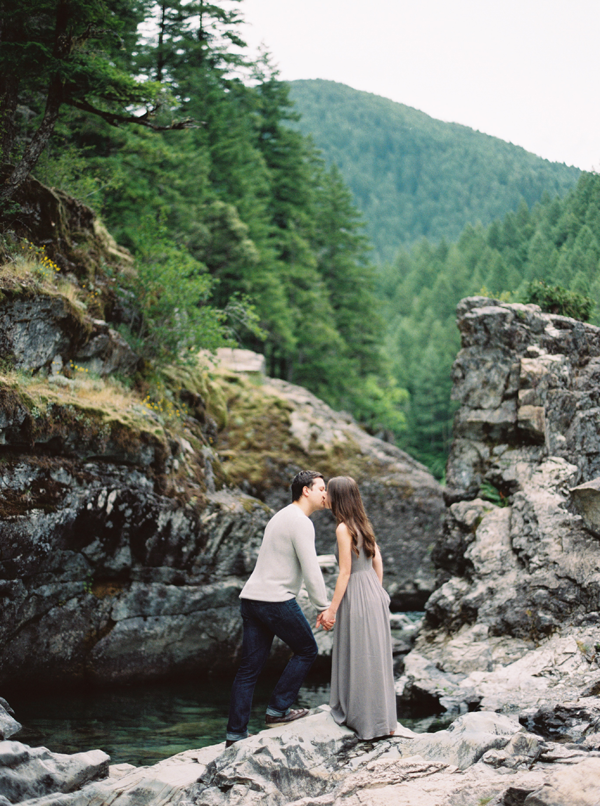 engagement-session-in-the-mountains