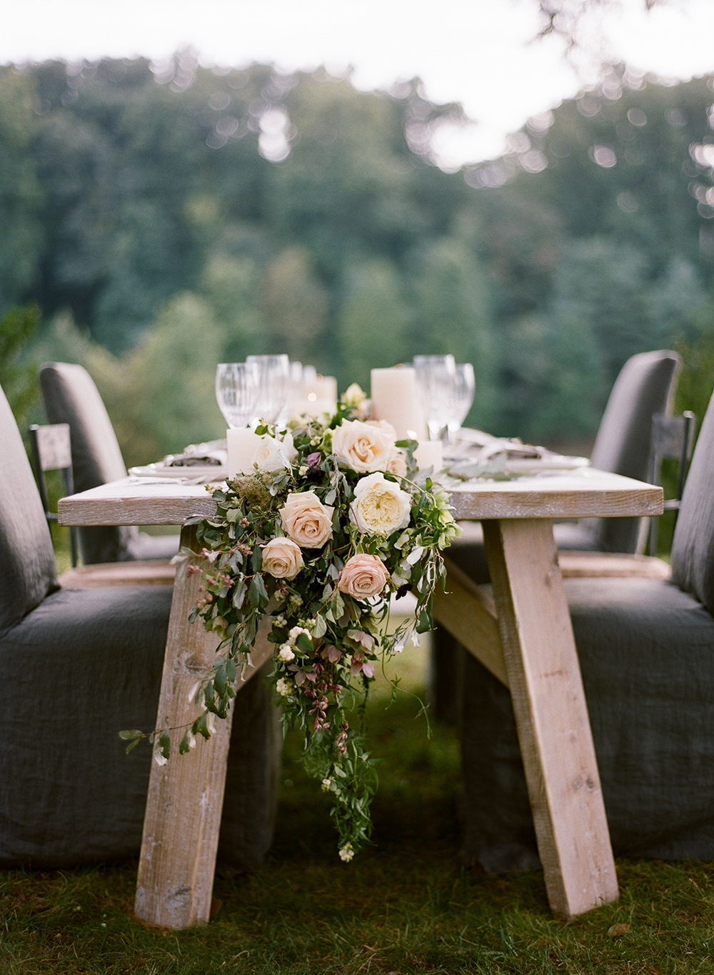 flower-wedding-garland-tablescape