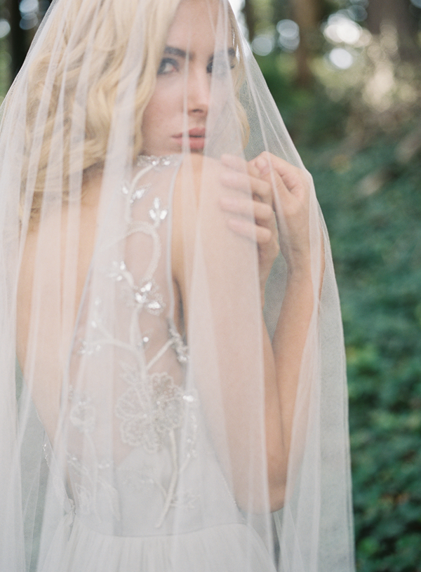 long-veil-wedding-ideas1