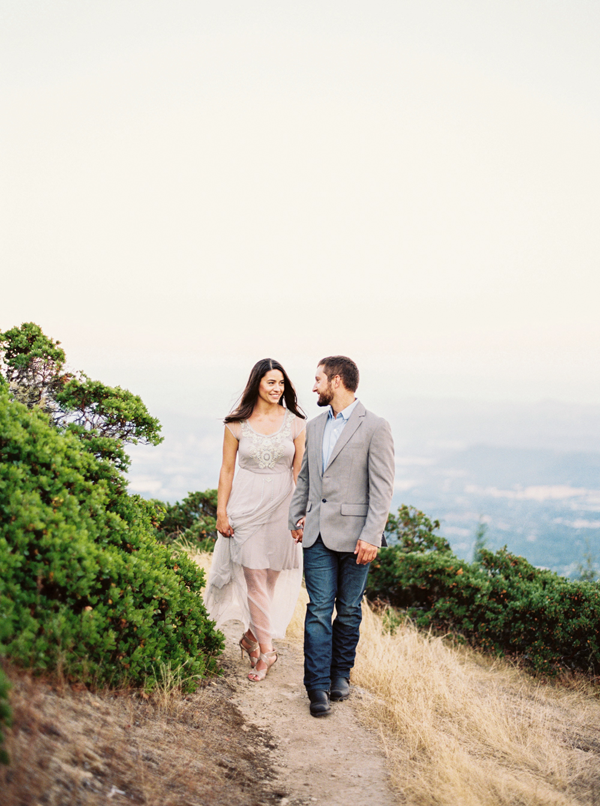 organic-outdoor-engagement-photography-ideas
