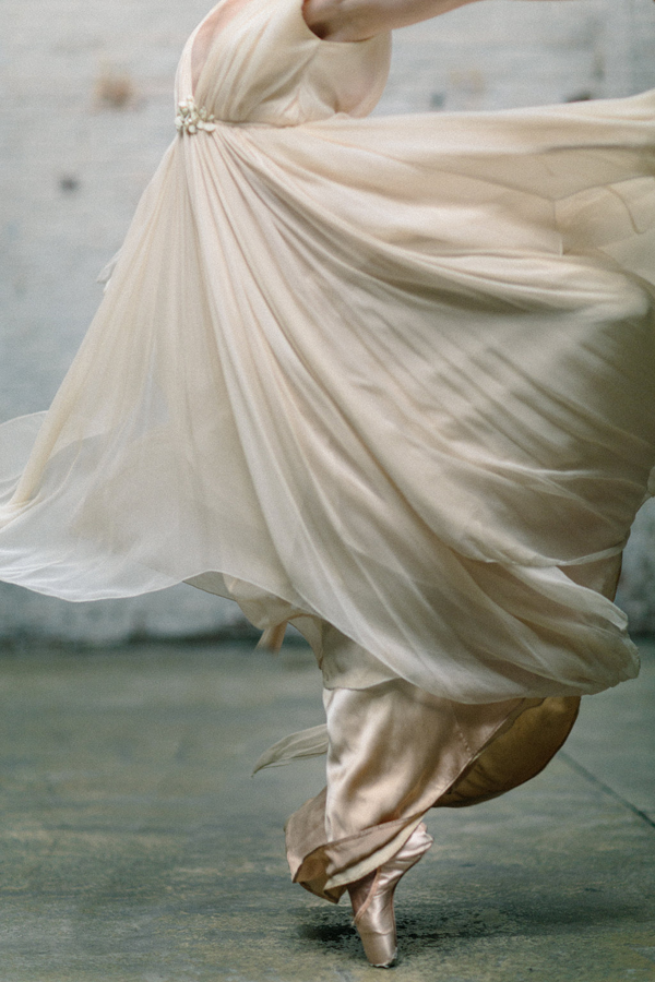 samuelle-wedding-gown-ballet-shoot