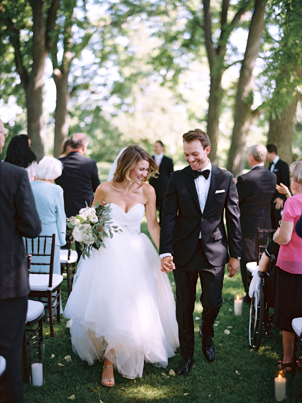 wedding-recessional-photo-ideas