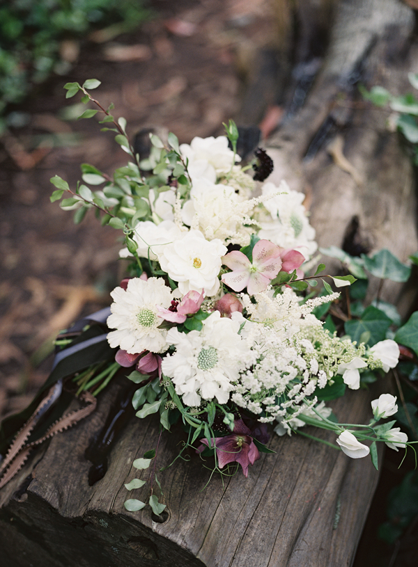 white-and-mauve-wedding-bouquet