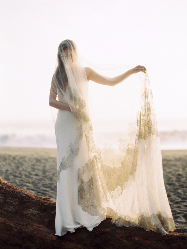 erich-mcvey-ginny-oceanside-wedding-ideas-full-length-lace-veil