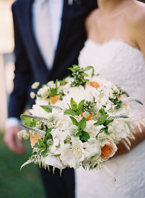 white-and-peach-wedding-bouquet