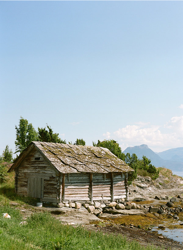 R-norway-cabin-wedding
