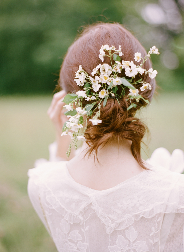 flowers-in-hair-wedding