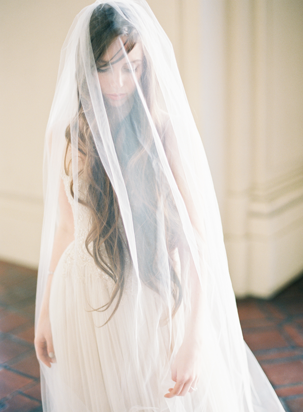 joy-proctor-long-wedding-veil-styling