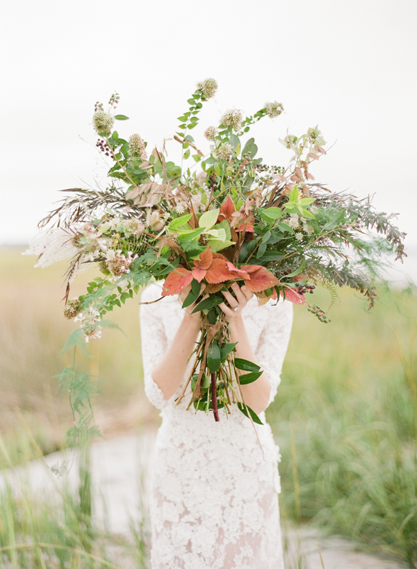 wild-lush-wedding-bouquet