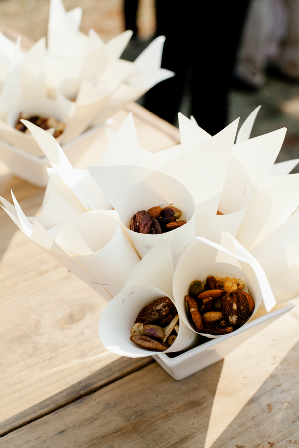 R-wedding-almond-nut-favors