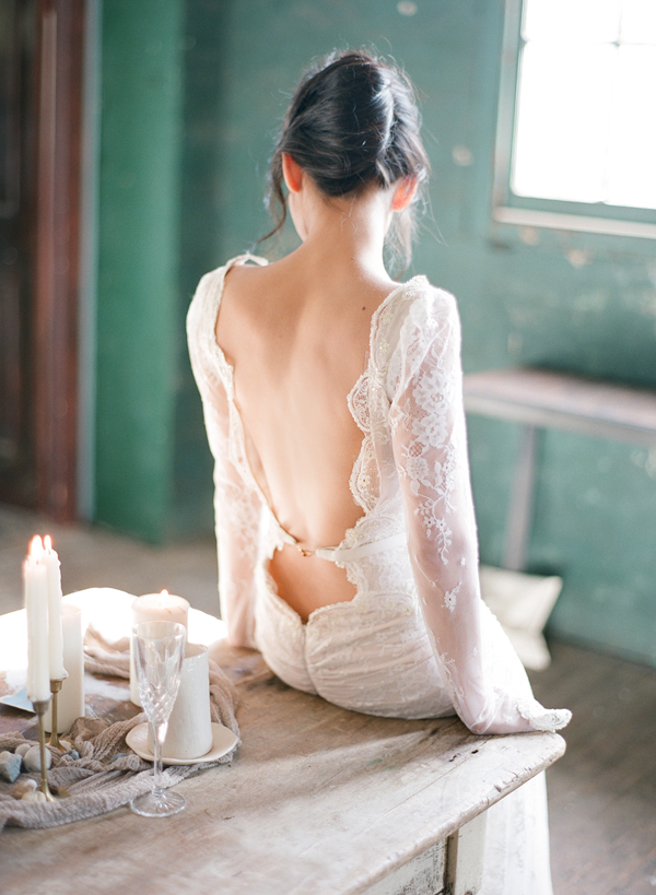 backless-wedding-dress-ideas