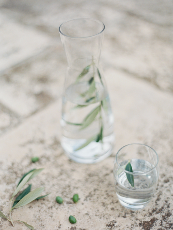 delicate-wedding-table-decor