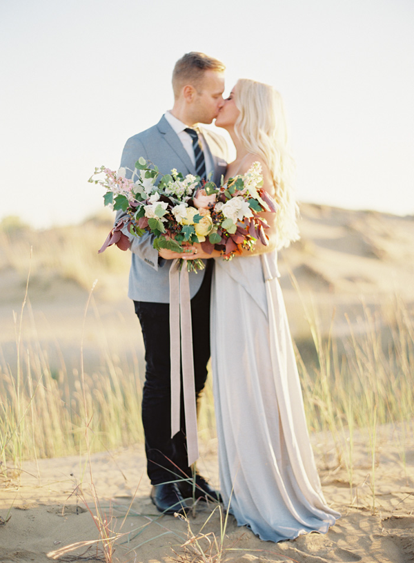 eleagnt-natural-bouquet-wedding