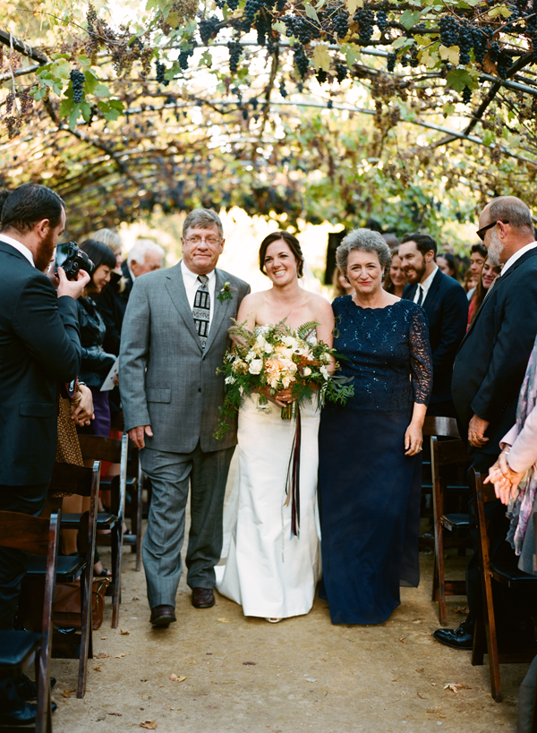 Relaxed Autumn Vineyard Wedding