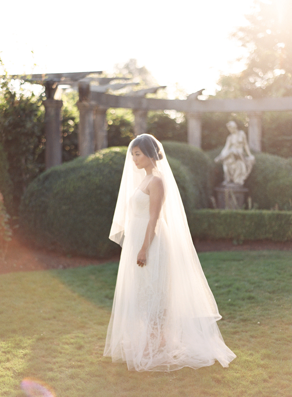 elegant-full-length-veil-wedding