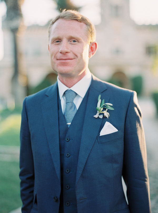 elegant-modern-groom-suit-wedding