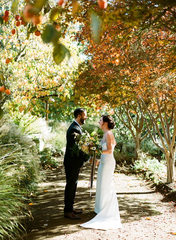 elegant-orange-green-fall-wedding-colors
