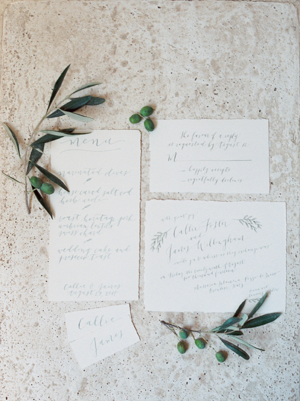elgant-classic-calligraphy-wedding-invitations