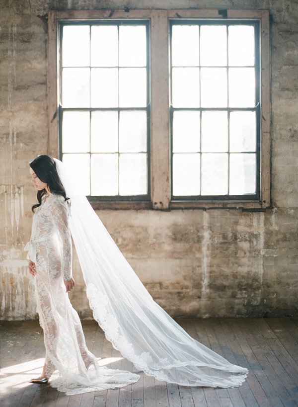 full-length-lace-wedding-veil