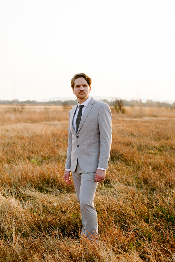 grey-groom-suit-wedding
