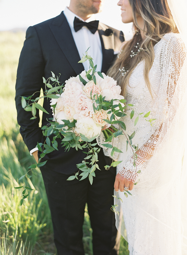 luscious-and-wild-wedding-bouquet