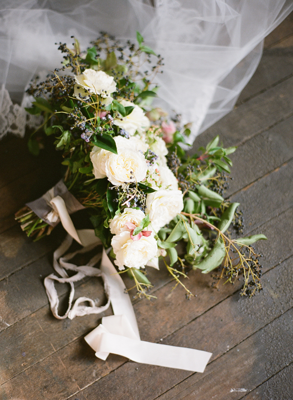 natural-organic-weddinb-bouquet