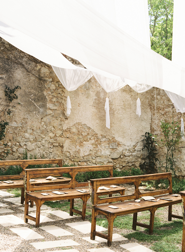outdoor-spanish-villa-wedding