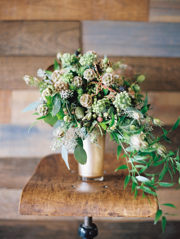 scabiosa-pod-wedding-flowers