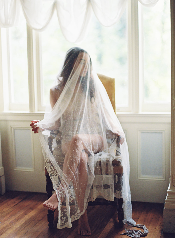 vintage-full-length-polka-dot-wedding-veil