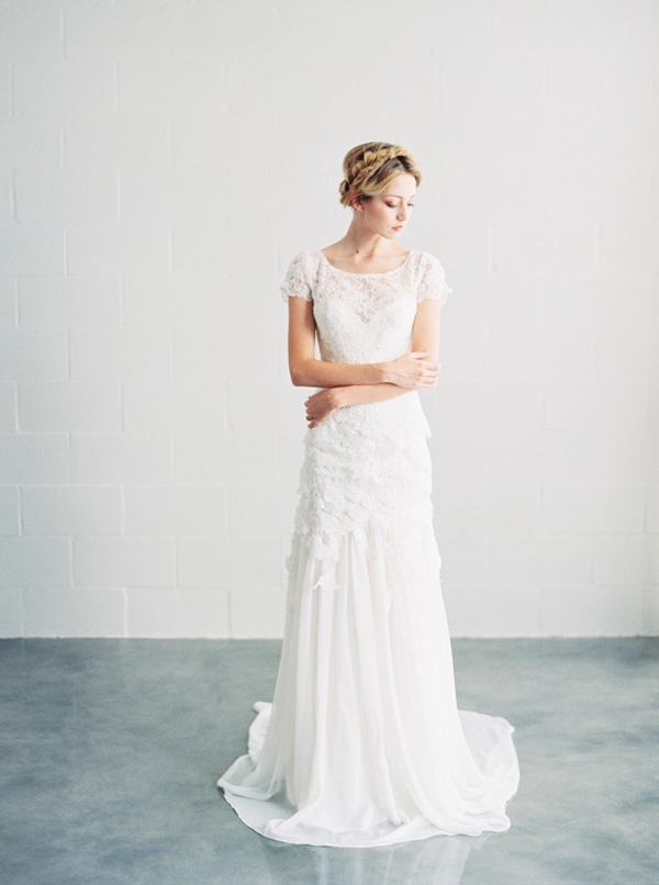 isabel-lace-delicate-wedding-dress
