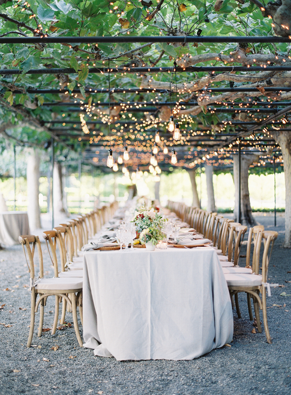napa-long-table-estate-lights
