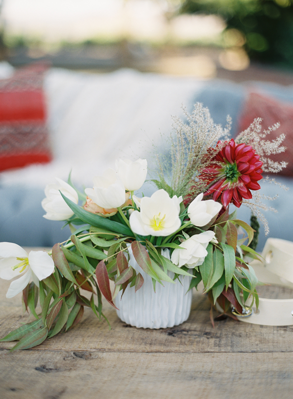neutral-white-wedding-fall-flowers