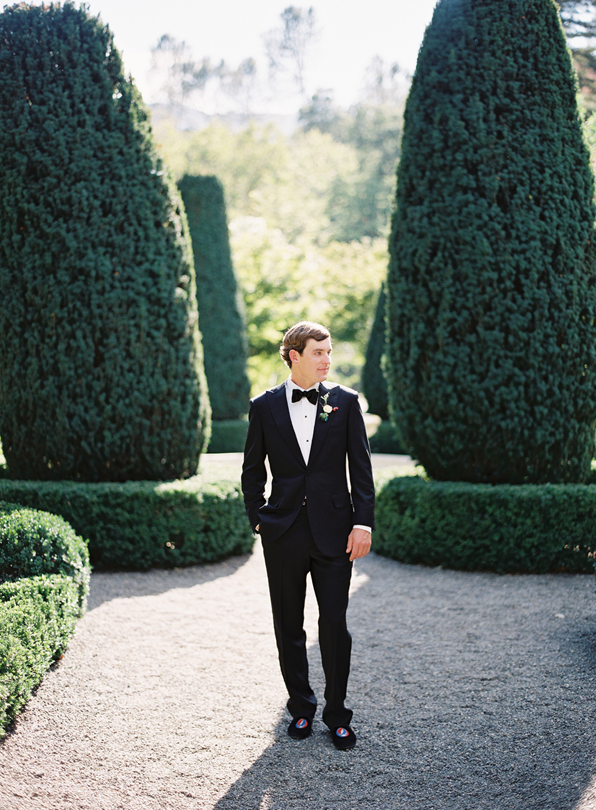 traditional-tuxed-bow-tie-wedding