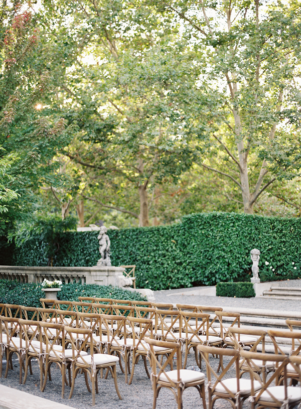 vineyard-chairs-greenery-enjoy-events