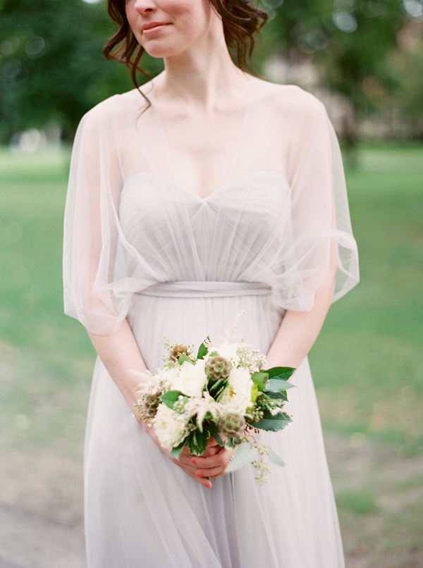 white-and-green-bridesmaid-bouquet