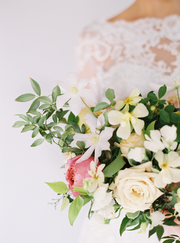 white-and-pink-wedding-bouquet