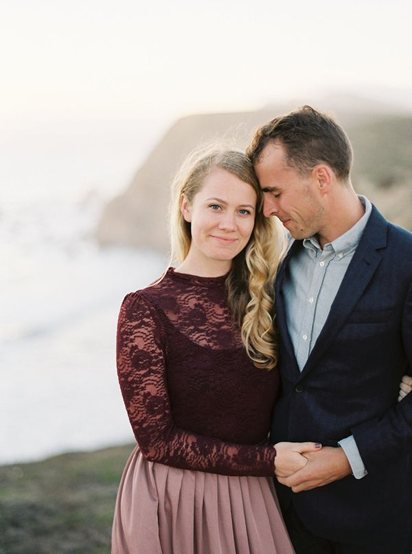 11-natural-cliffside-engagement-kyle-john