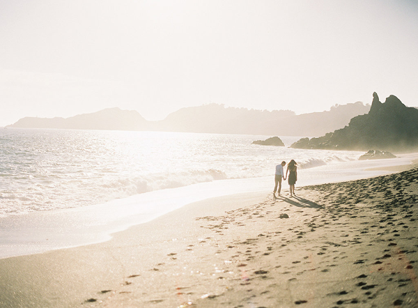 11-romantic-beach-engagement-rylee