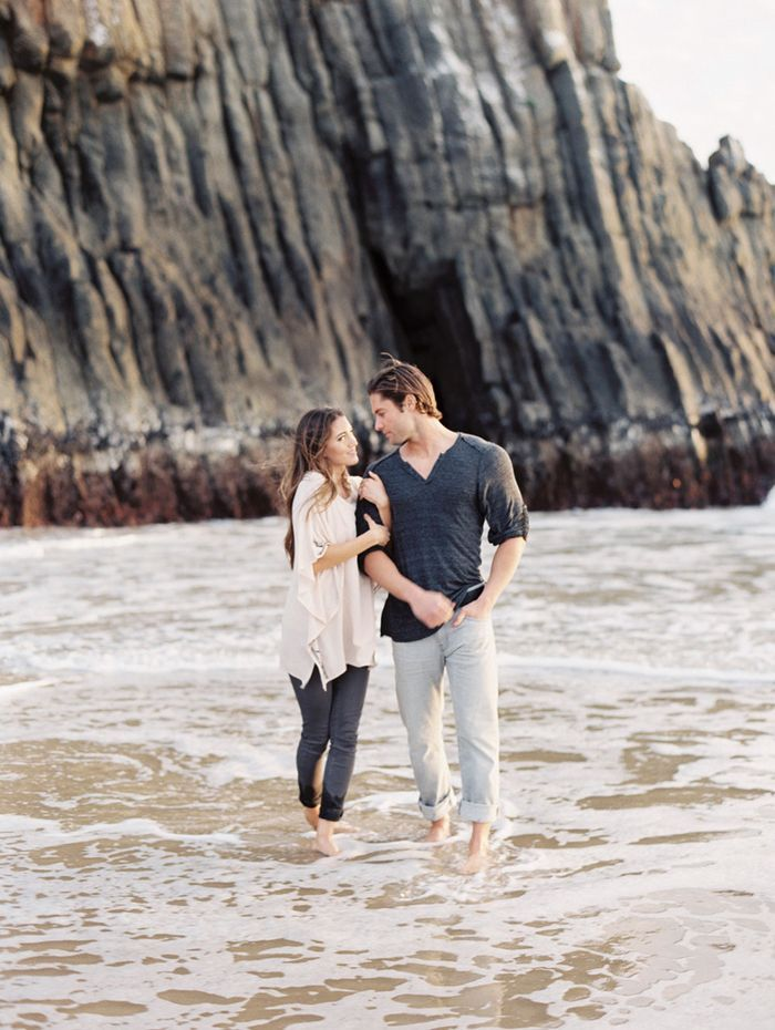 17-gallery-beach-engagement-lauren-balingit