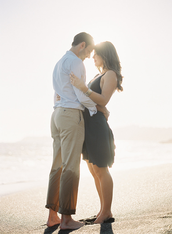 7-magical-beach-engagement-rylee