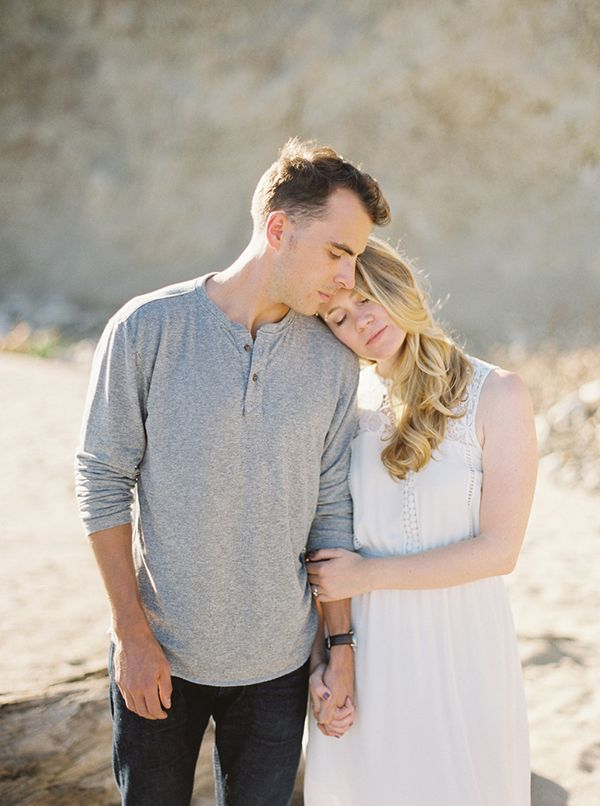 8-summer-beach-engagement-kyle-john