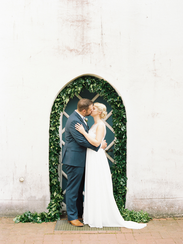 lauren-kinsey-wedding-arch