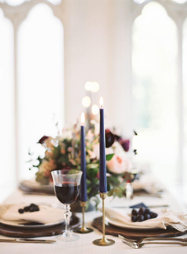 moody-wedding-tablescape-dark-wedding