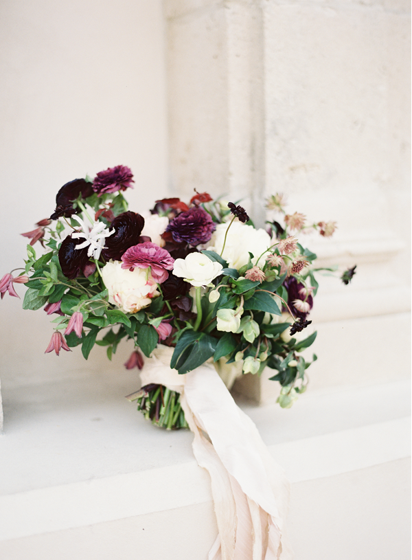 purple-white-wedding-bouquet