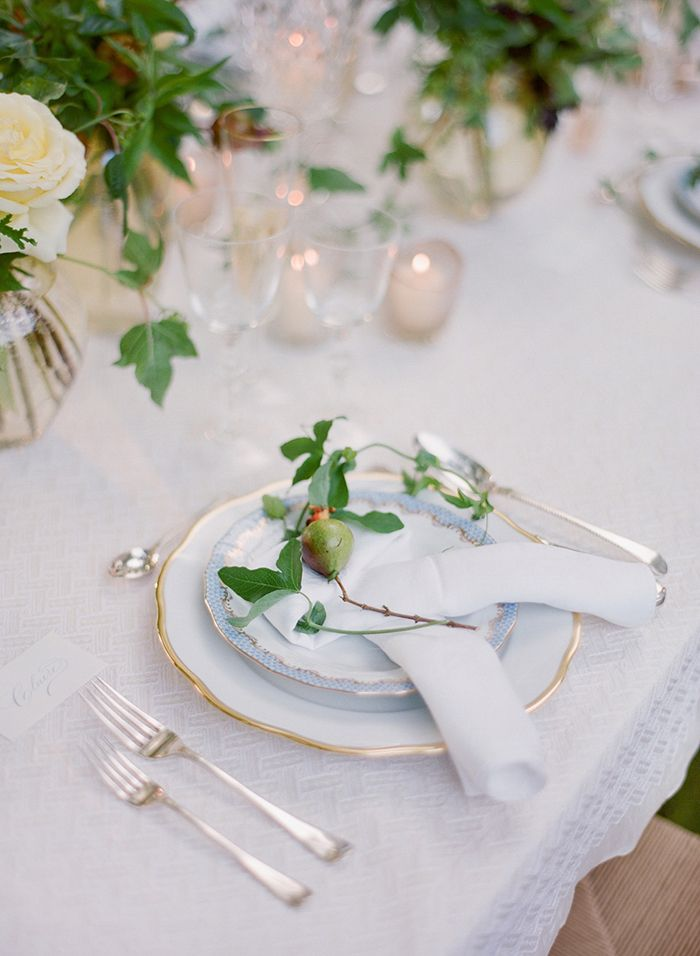 16-pear-place-setting