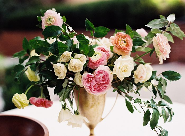 18-pink-white-green-centerpiece