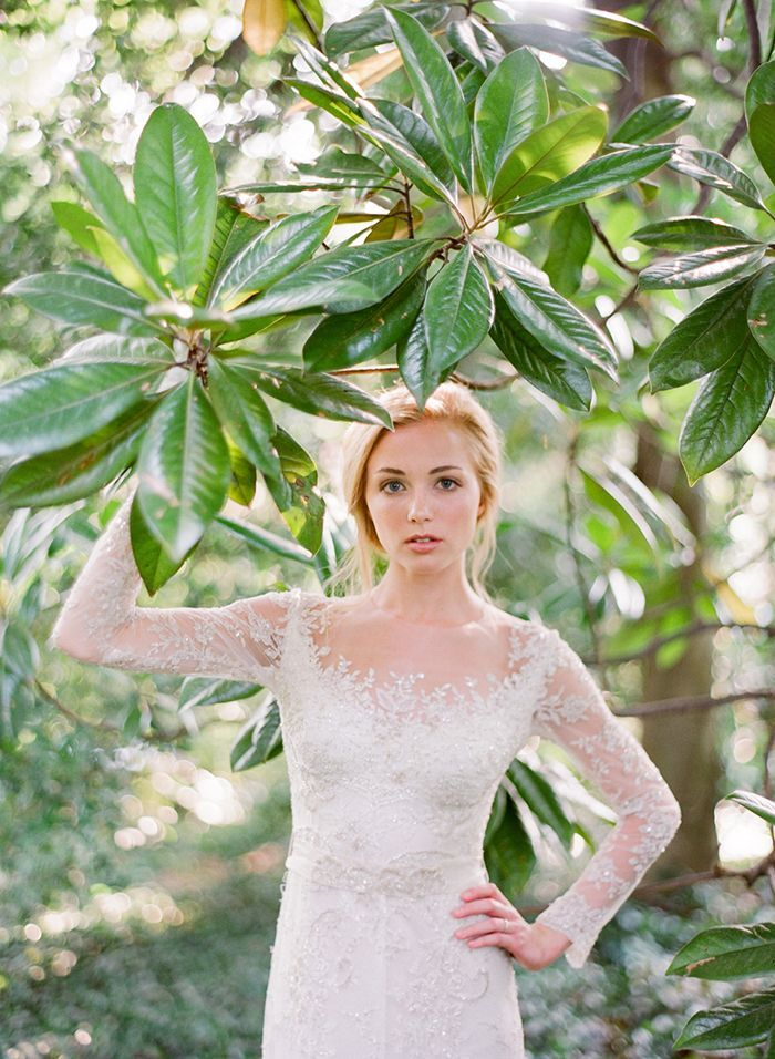 22-lace-wedding-gown-banana-leaves