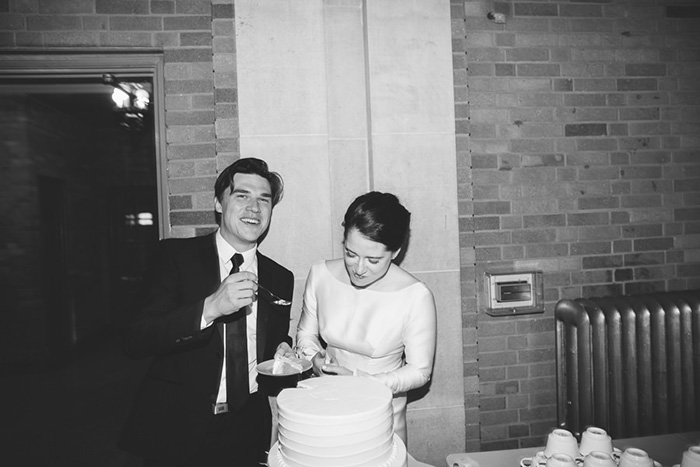 28-cake-cutting-wedding